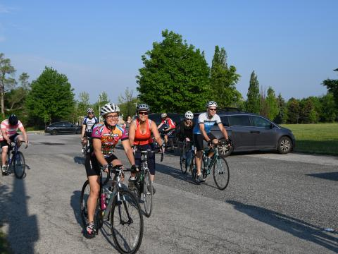 DSC_3695 2018 cyclists leaving Dom  Lipa.jpg